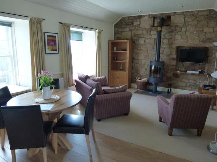 Clatto Bothy, self catering cottage.