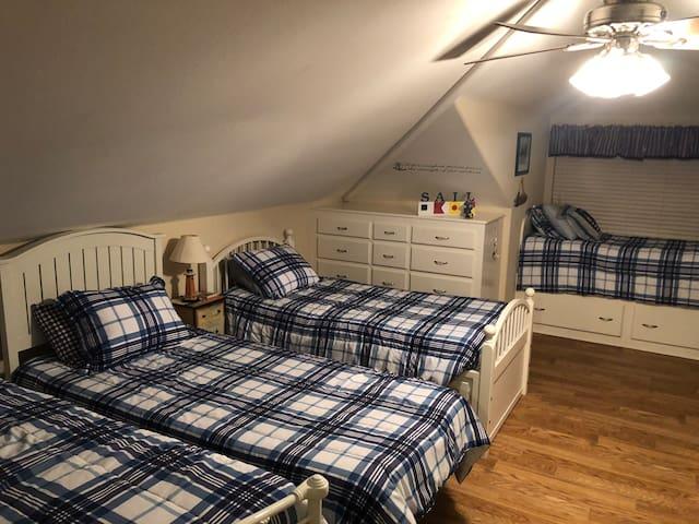 Bunkhouse room