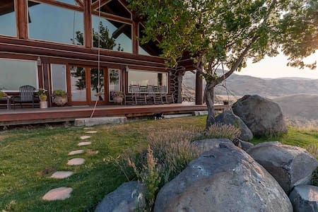 'Rocky Mountain Lodge' 5BR Cabin w/Hot Tub - Horseshoe Bend - Zomerhuis/Cottage