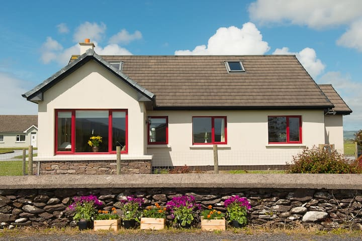 An Teach Dearg WineStrand Cottages  - Dingle - Hus