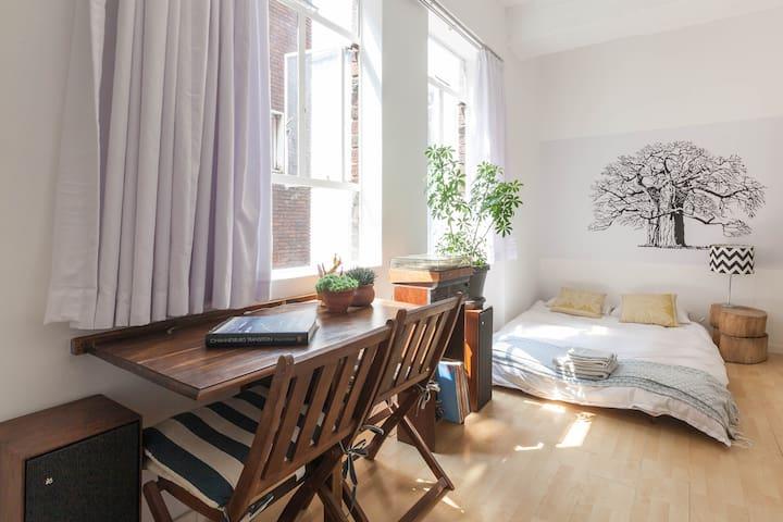 Edgy, Comfy Apartment Braamfontein - Joanesburgo - Apartamento