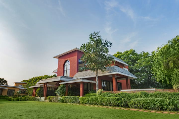 Sangeet Vilas-4-bedroom farmhouse for twelve/71652