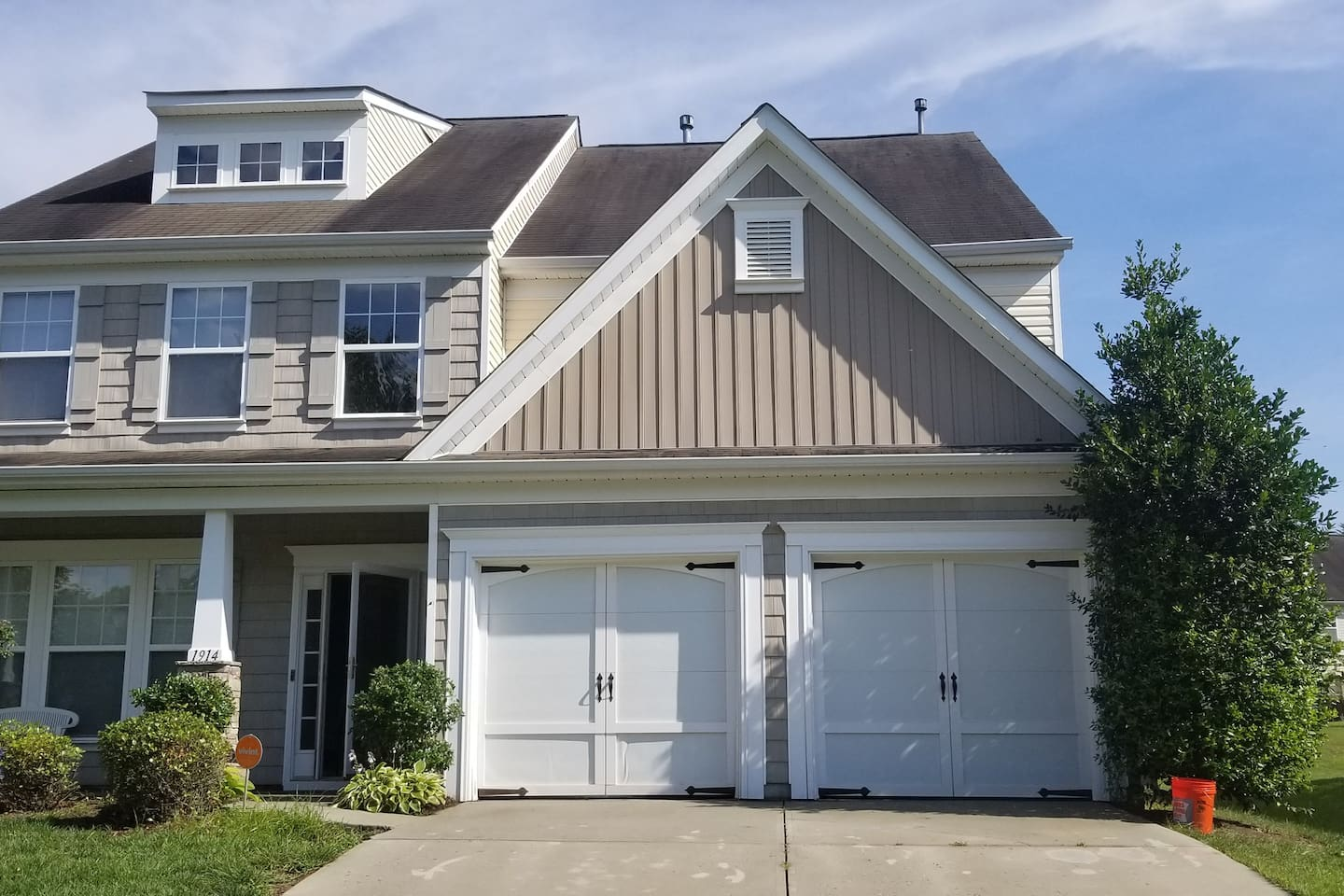 Beautiful 2 Story in Excellent Subdivision.
