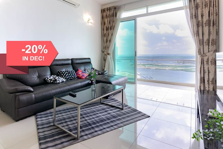 3BR Tropez Waterfront in Danga Bay (FREE Parking)