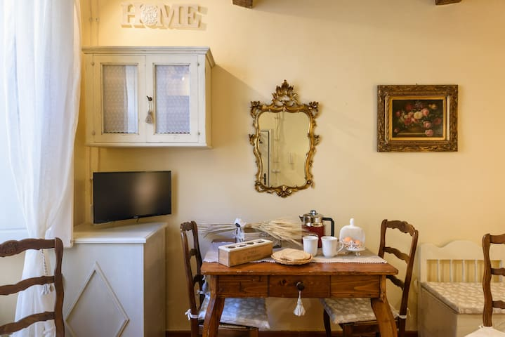 Cozy romantic nest in San Frediano