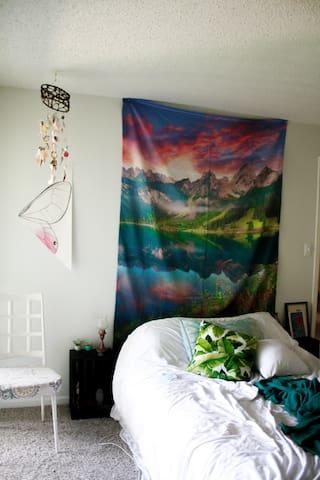 Cozy Retro Apartment
