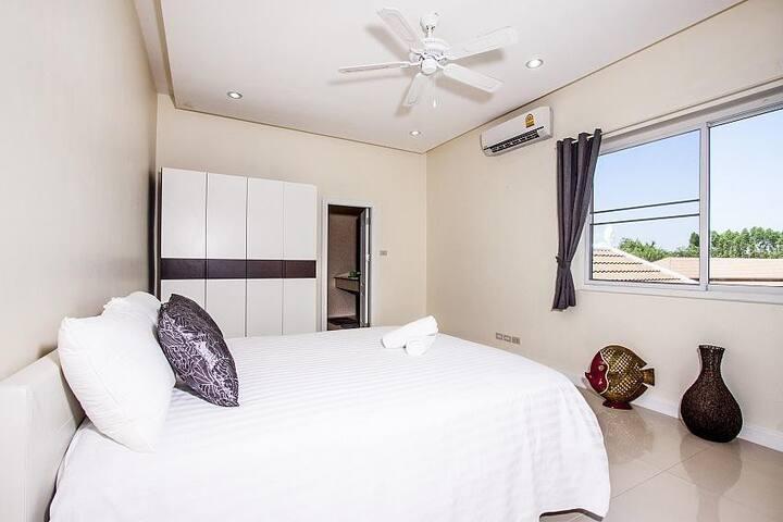 Montecito Villa - Muang Pattaya - 別墅