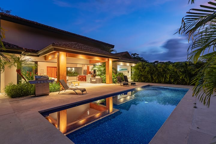Gorgeous, luxurious and private 4 bedroom home in gated community