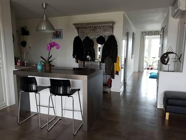 Loft 80m2 8è étage 2 min Perrache chambre ouvert - Lyon - Apartamento