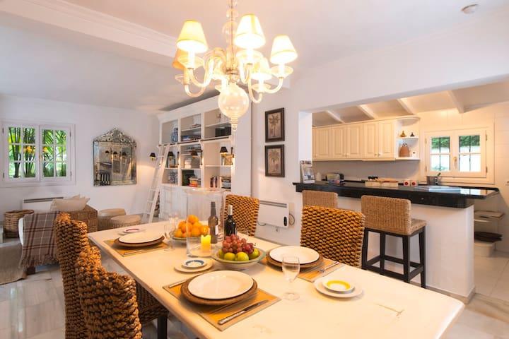 Villa mit grossen tropischen Garten - Marbella - Haus