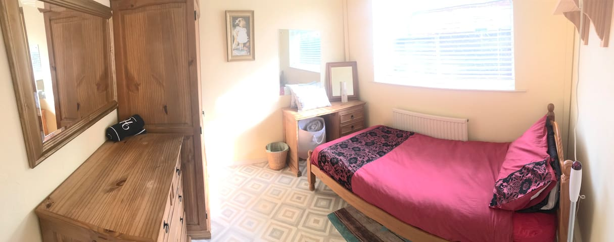 Classic room situated in a beautiful bungalow...