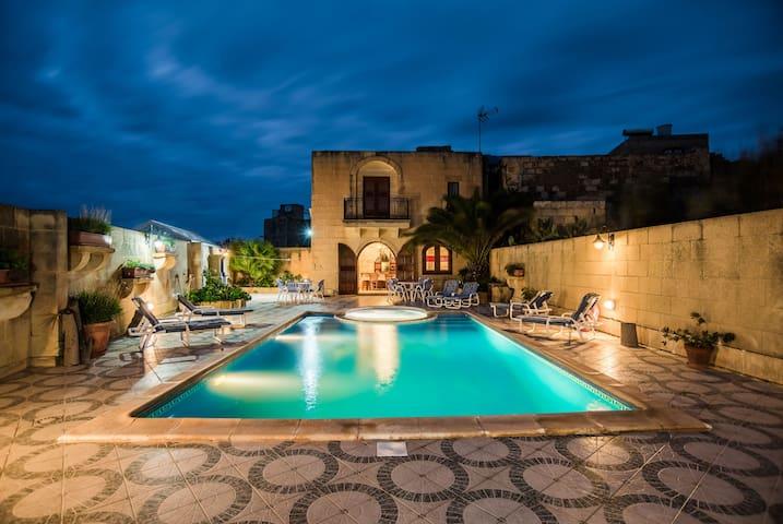 malta,gozo,farmhouse,pool,jacuzzi,villa - L-Għarb - Ev