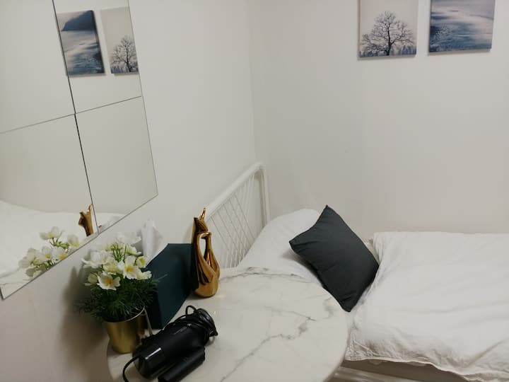 Hongdae for 1 person small private house