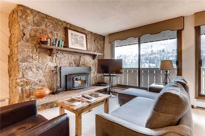 Woodburning Fireplace & location between Vail & Lionshead Village | Scorpio 304