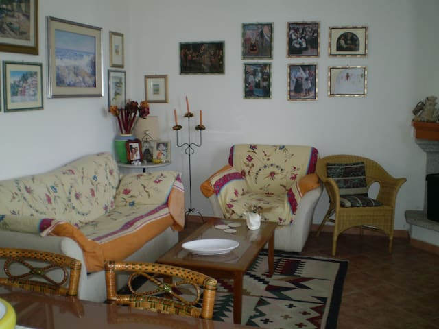 Mare, sole, relax e tradizioni - Santa Lucia - Leilighet
