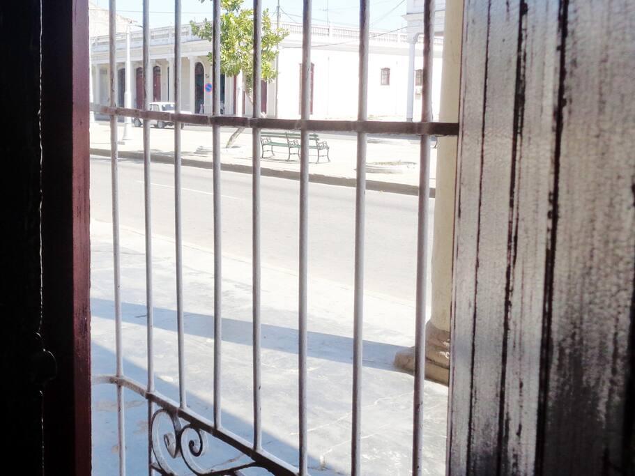 Vista del Paseo Prado desde el hostal.