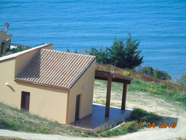 Beautiful villa inclusive sea/beach access. Boat.. - Realmonte - Vila