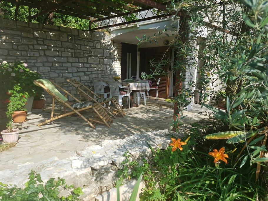 charming and tidy studio with a big terrace wohnungen zur miete in rabac istarska upanija. Black Bedroom Furniture Sets. Home Design Ideas
