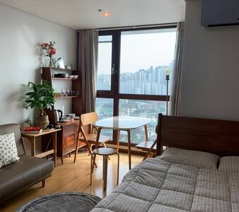 Designer GUENI Room Wangsimni station 1min