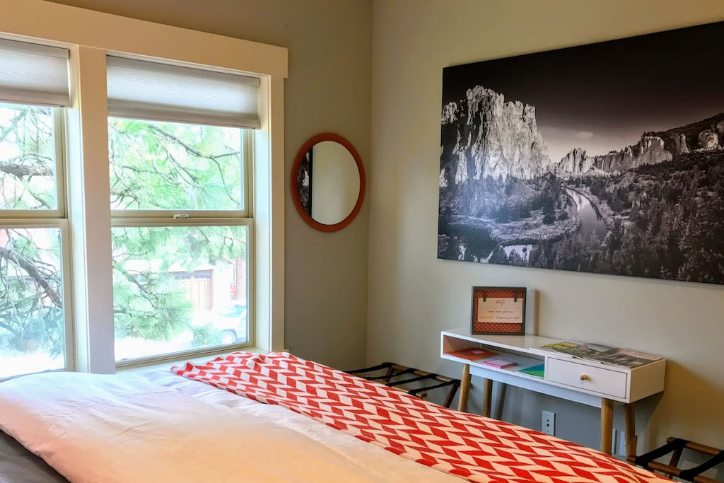 [the perch] amenities :: plush king bed | iPhone charger at each bedside | luxurious down comforter | soft down pillows | secured wifi | large closet with wood hangers | variety of guidebooks from mountain biking to hiking to downtown Bend to Smith Rock | stellar recommendations from other guests