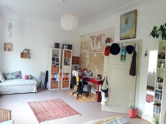Cozy&huge room in the heart of Trier, near Porta