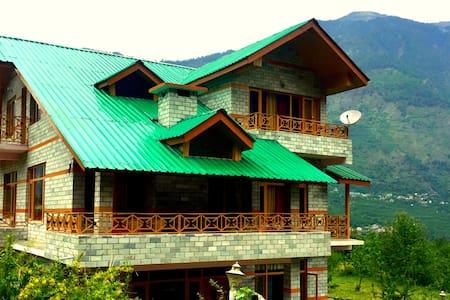 WoodyVu Mansari Cottage, Manali - Manali - Bungalow