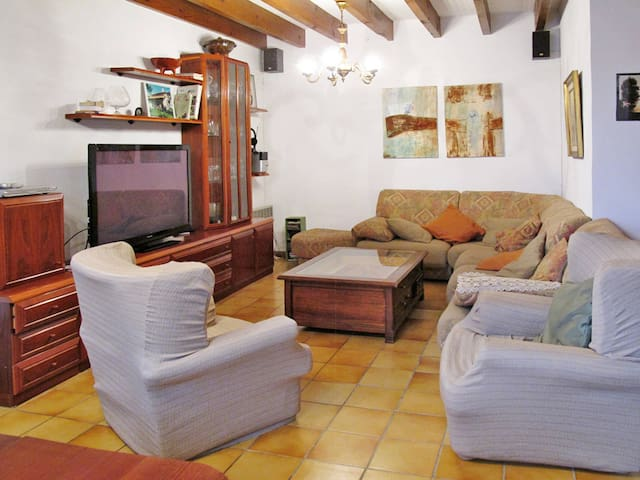 Holiday home in St. Pée-sur-Nivelle for 8 persons