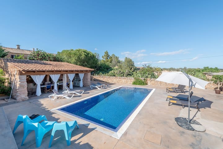 Beautiful, Renovated Country Estate built in 1700 with Pool, Terraces & Wi-Fi; Parking Available