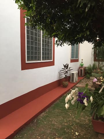 Modern & comfortable guest house in Kwabenya