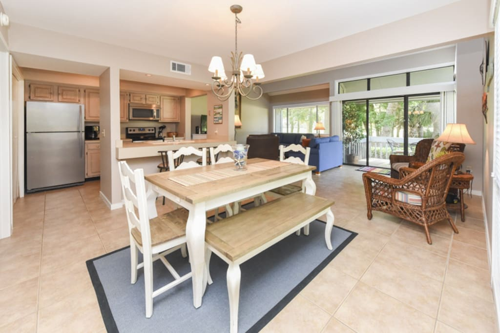 Open Floor Plan Kitchen, Family Room, Dining and Seating Areas