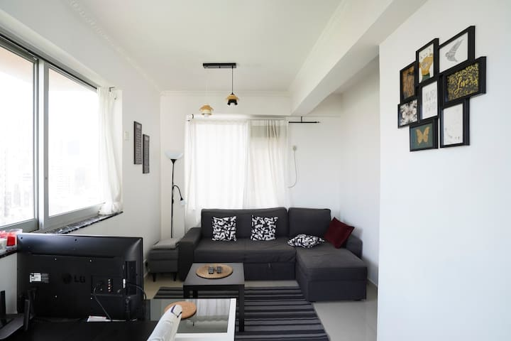 !JUST 5 MIN FROM MTR! Harbourview 1BR apt @ CWB!