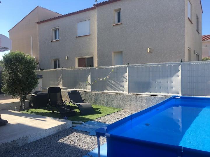Villa Bord de mer 95m2 avec piscine et jardin.