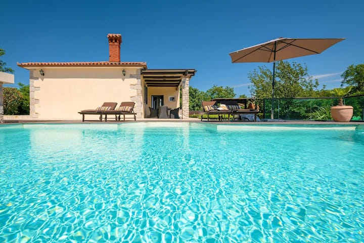 Villa Amneris, great view and swimming pool