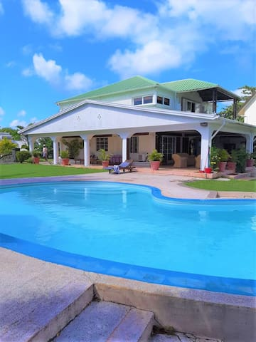 With private pool and private access to the beach!