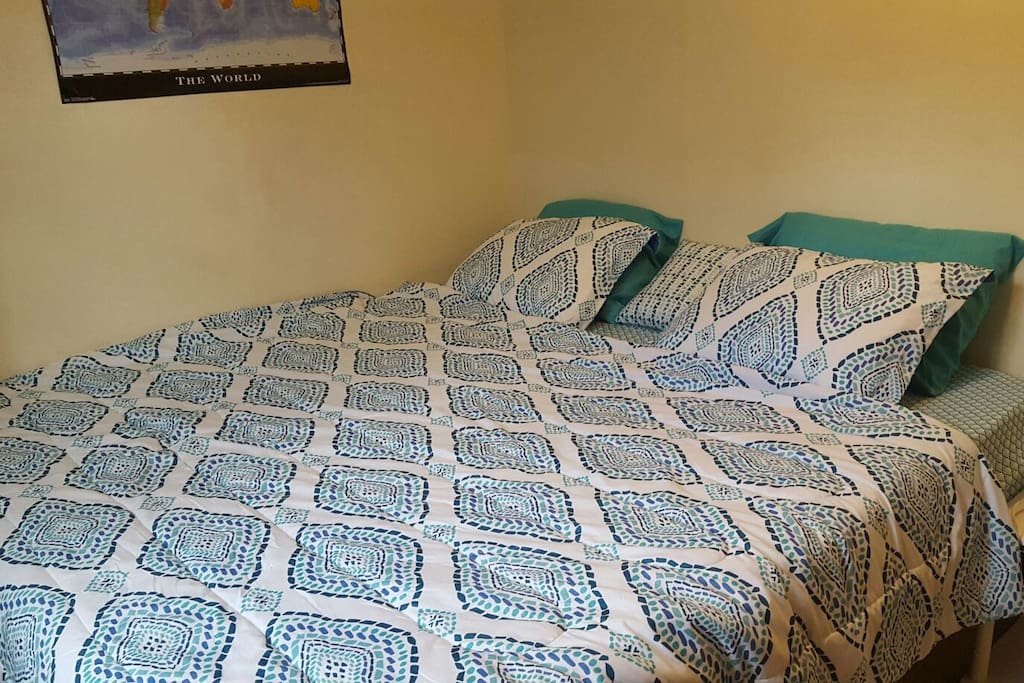 King size memory foam bed! Super comfortable and easily sleeps 3