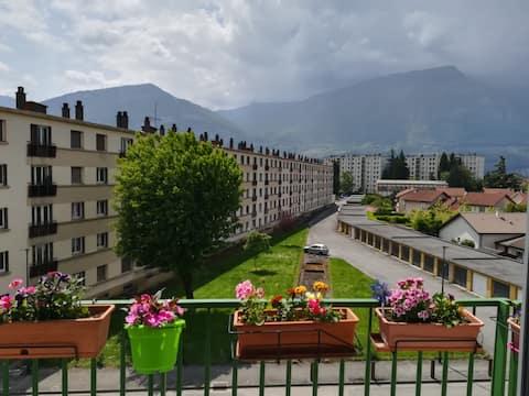 A proximité de Grenoble et des stations de ski