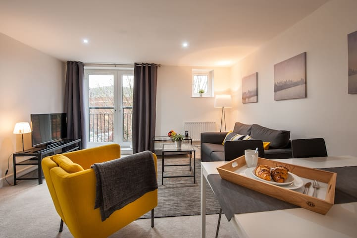 Staff - Apartments @ Mayflower Court - Reading - Daire