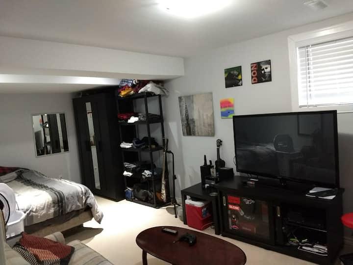 One bedroom cozy basement apartment in Kanata