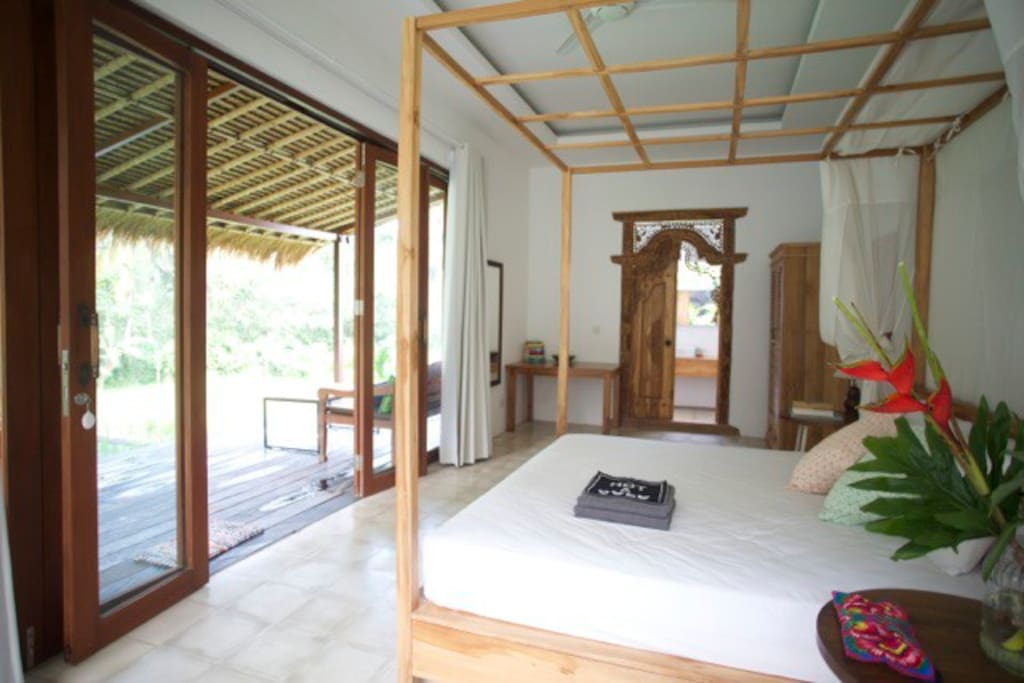 Large bright guesthouse with 2m x 2m bed
