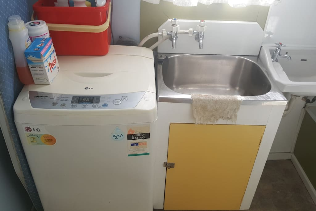 Washing Machine and Tub