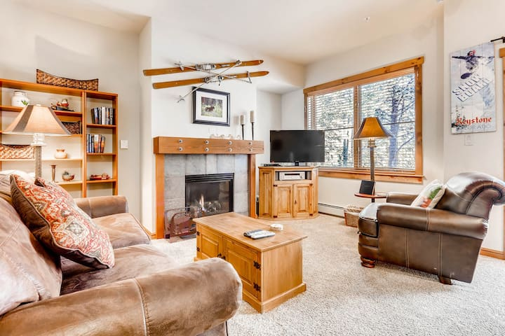 Gorgeous Premier Seasons Townhome- 1Br/1Ba- Kids Ski Free