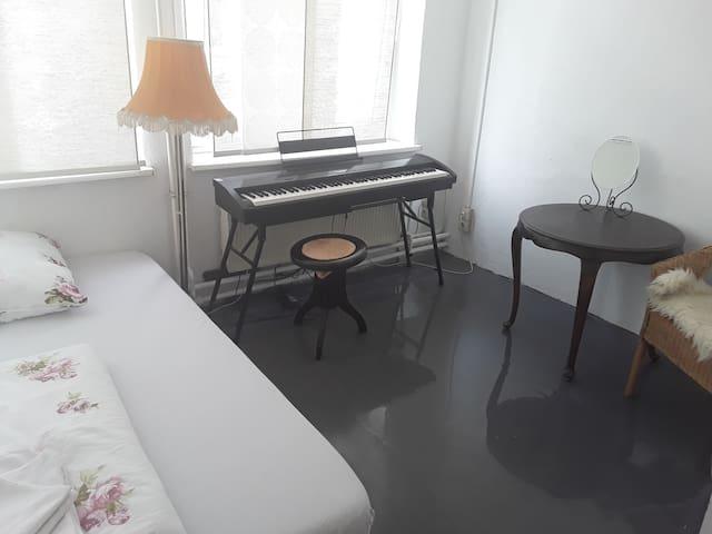 Kleines Zimmer in Musikschule