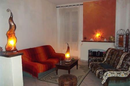 Belle maison 110 m2, centre de Bourg + p'tit déj'