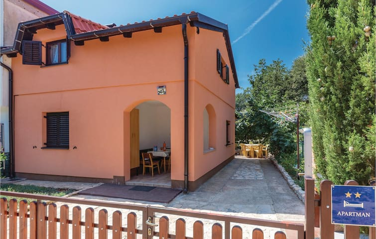 Holiday apartment with 1 bedroom on 36m² in Pavicini
