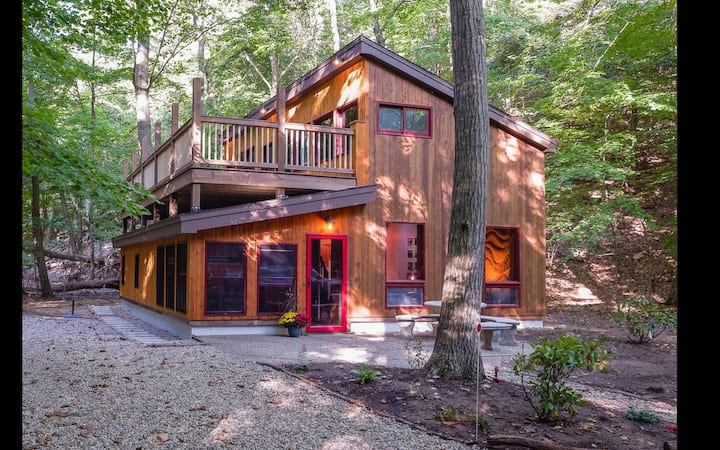 exterior of a cabin in wisconsin