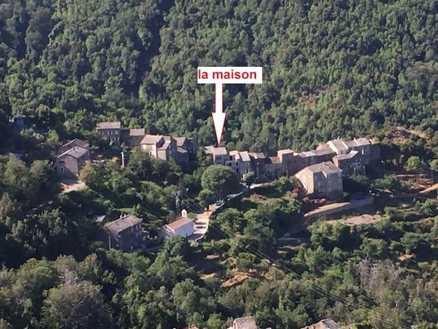 MAISON 6/10 PERSONNES,    (SUD DE BASTIA) - Monte - Dům