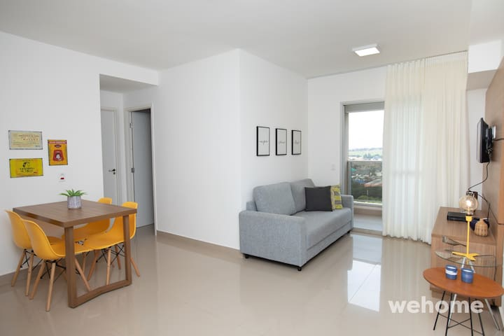 Two bedroom apt, decorated and well equipped!