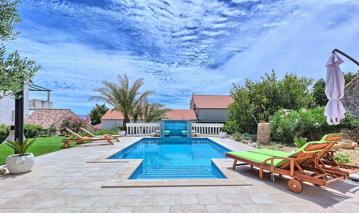 POOL HOUSE VILLA LEMO IN BOL, BRAC