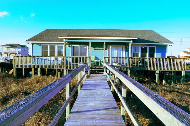 Oceanfront Cottage(duplex)Has Private Beach Access - Emerald Isle - Vakantiewoning