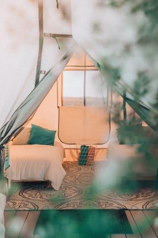 Tent 4,  twins